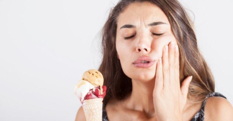 Fogerózió, amikor a legédesebb fagylalt is keserű Oralcentrum Fogászat Érd