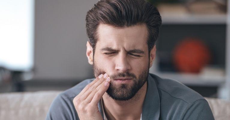 Fogfájás okai Oralcentrum Fogászat Érd
